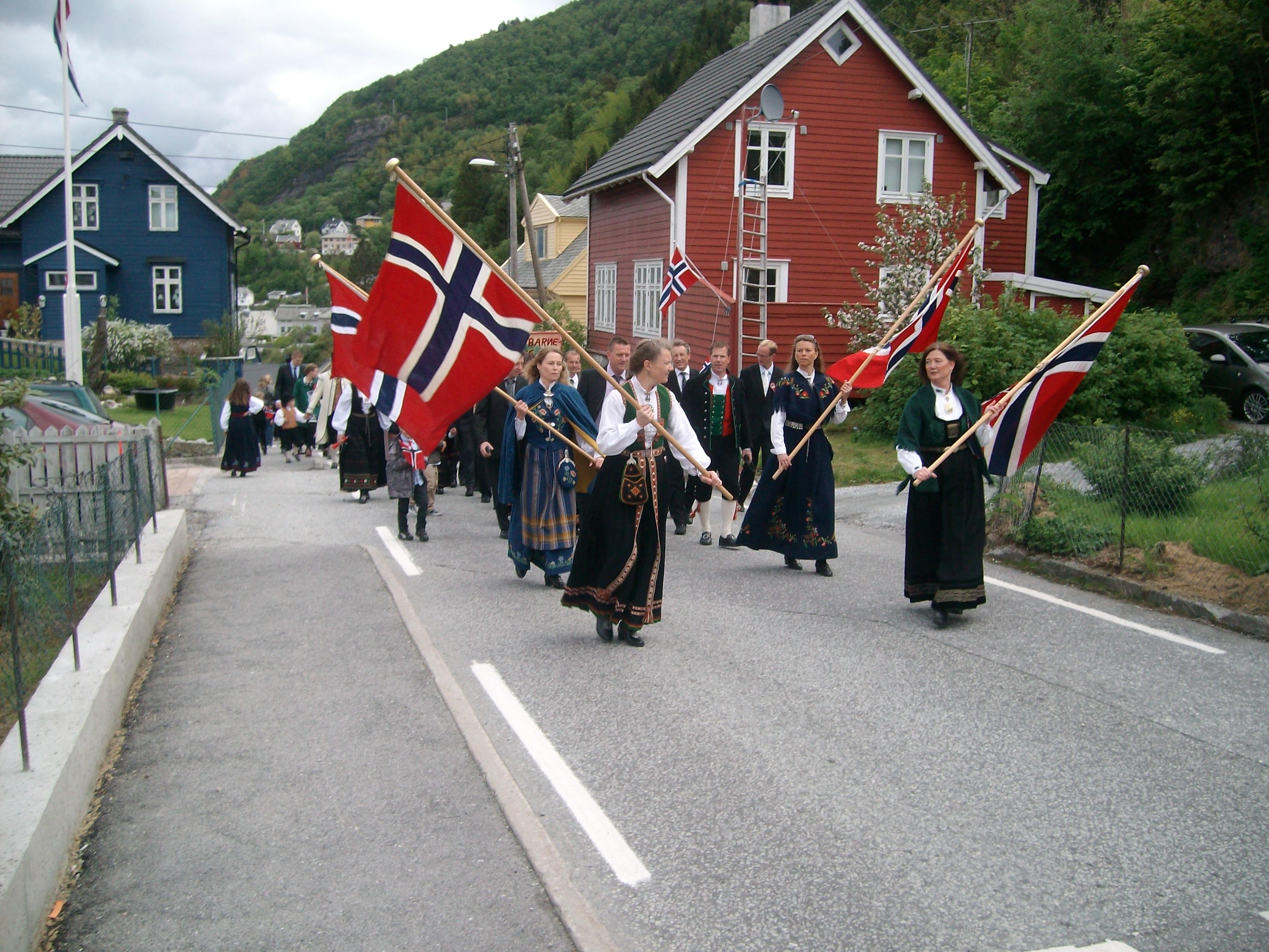 17. mai på Salhus, ein nynorskskanse i Bergen.