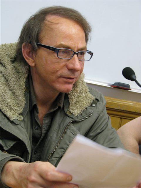 Michel Houellebecq hev skrive bøker som kann skapa bylgjor. Den siste boki hans er i vika som gjekk vorti meir aktuell enn det mange torer tenkja på.