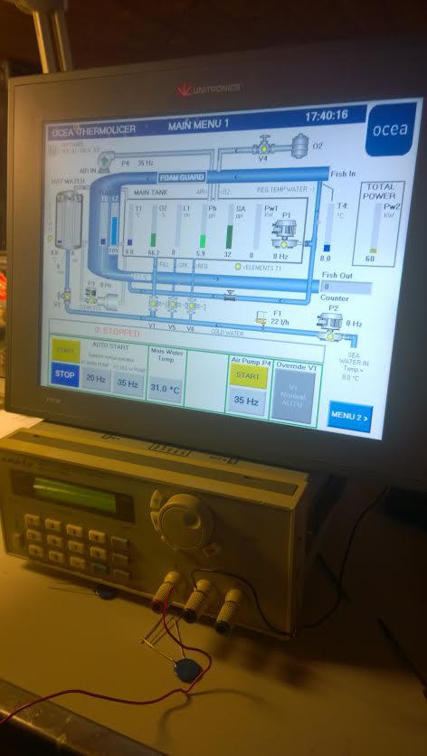 Innovasjonen gjeng vidare: Her er me på laboratoriet og ser eit PLC-prosessprogram til ein avlusar for laks som Microman held på å utvikla no for tida.