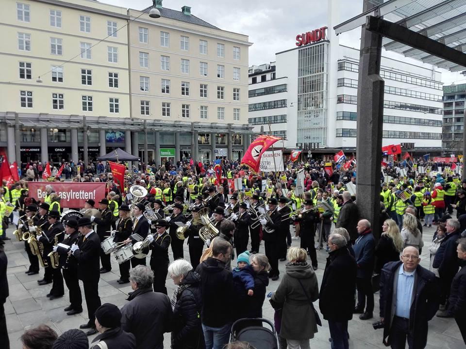 Streikande hotellarbeidarar og subkulturelle aktivistmiljø dominerte fyrstemai-feiringi i Bergen.