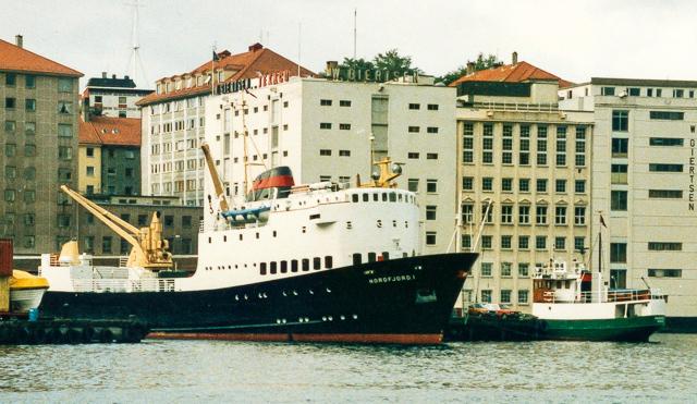 MS Nordfjord I og MS Haganes i 1986.